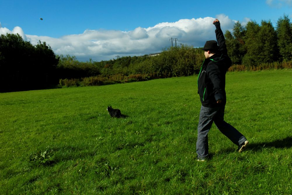 #80 - Walkings with the boring human. (2/6)